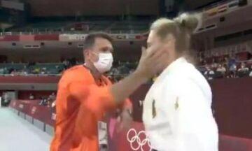 Προπονητής τζούντο χαστούκισε την αθλήτριά του για να την «ξυπνήσει» (vid)