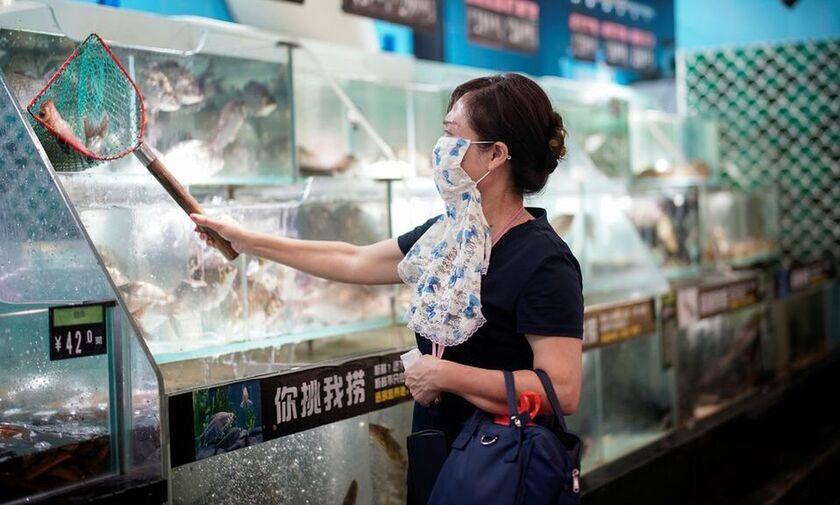 Κίνα: Η Γουχάν ξανά στον κλοιό του κορονοϊού λόγω της μετάλλαξης Δέλτα