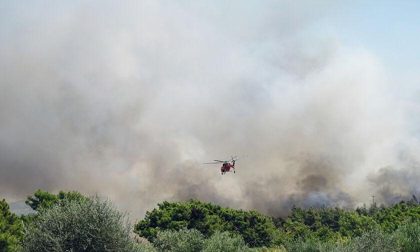 Μήνυμα από το 112 για κίνδυνο πυρκαγιάς στην Κρήτη και τη Ρόδο