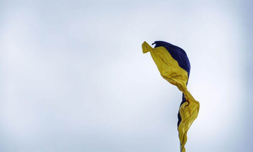 Ουκρανία: Άνδρας απειλεί να πυροδοτήσει χειροβομβίδα στην έδρα της κυβέρνησης