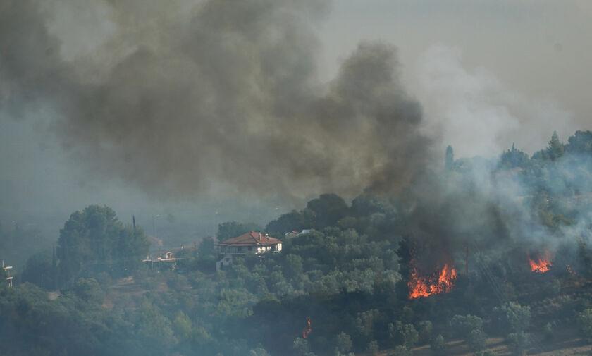 Αναζωπυρώσεις της πυρκαγιάς γύρω από την Αρχαία Ολυμπία