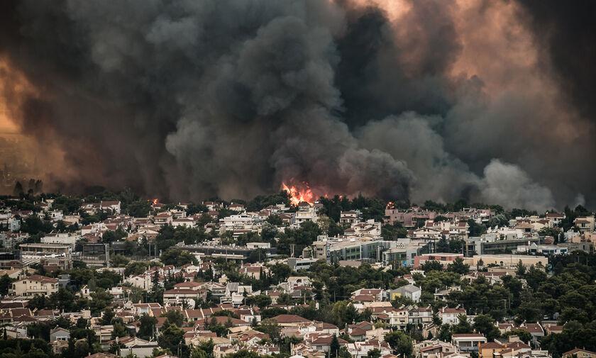 Πυρκαγιά στη Βαρυμπόμπη: Μεγάλη αναζωπύρωση - Εκκενώνονται Πολιτεία και Δροσοπηγή