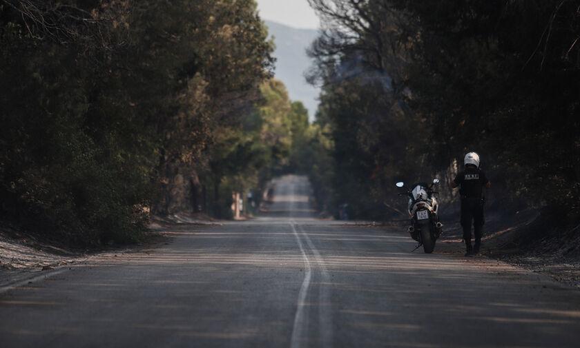 Βαρυμπόμπη: Διακοπή της κυκλοφορίας λόγω της αναζωπύρωσης
