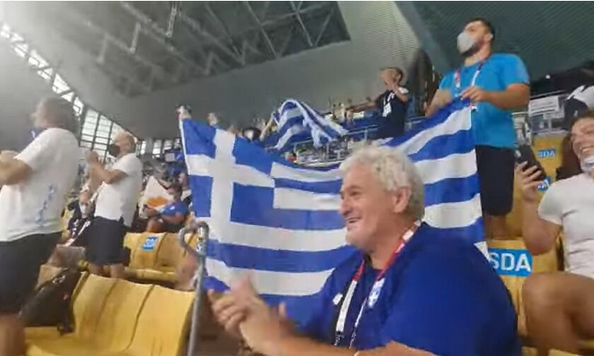 H ελληνική κερκίδα στον αγώνα της Εθνικής ομάδας πόλο (vid)