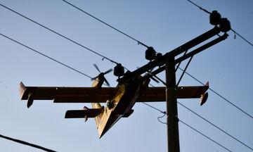 Κρίσιμη η κατάσταση για το δίκτυο ηλεκτροδότησης εξαιτίας των πυρκαγιών