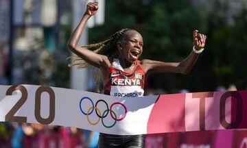 Ολυμπιακοί Αγώνες 2020: Υπόθεση Κένυας ο μαραθώνιος - Χρυσό η Γιεπτσιρτσίρ, ασημένιο η Κοσγκέι (vid)