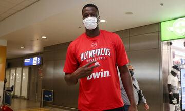 Μουστάφα Φαλ: Έφτασε στην Αθήνα και έτοιμος να πιάσει δουλειά με τον Ολυμπιακό! (vid)