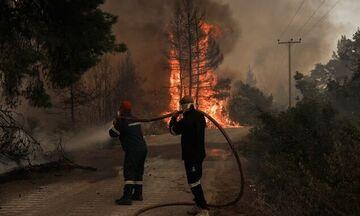 Εύβοια: Μεγάλη φωτιά στην Κάρυστο - Εκκενώνεται το Μαρμάρι και δύο οικισμοί