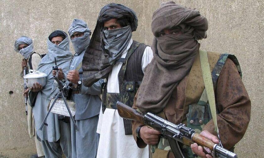 Αφγανιστάν: Τεράστια ποσότητα όπλων στα χέρια των Ταλιμπάν