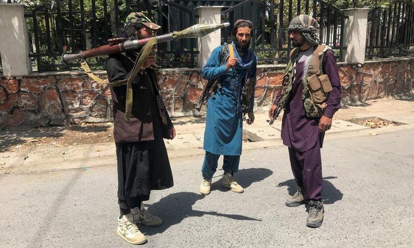 Αφγανιστάν: Οι Ταλιμπάν καλούν όλες τις εργαζόμενες στη δημόσια υγεία να επιστρέψουν στη δουλειά