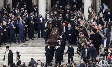 Μίκης Θεοδωράκης: Η τελευταία υπόκλιση στον μεγάλο Έλληνα! (vids)