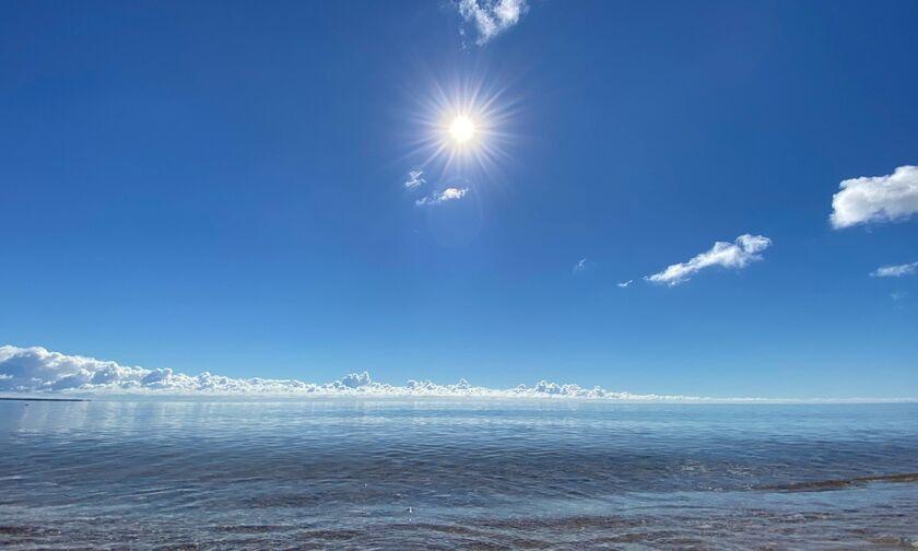 Καιρός: Άνοδος της θερμοκρασίας - Μέχρι και 32 βαθμούς θα δείξει το θερμόμετρο