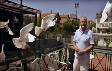 Ντούσαν Ίβκοβιτς: Η σχέση με τον Νίκολα Τέσλα και η λύτρωση από τα περιστέρια