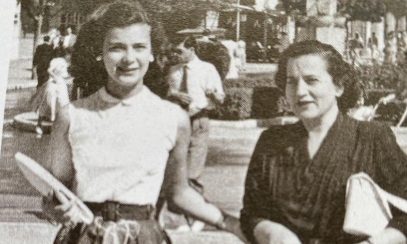 Ποιος έμαθε την Ευγενία Καρπούζη να συστήνεται Τζένη Καρέζη