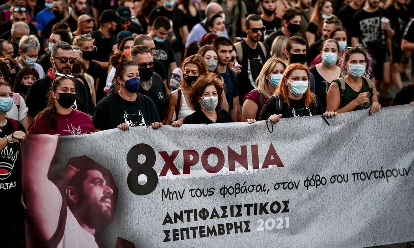 Παύλος Φύσσας: Μεγάλη αντιφασιστική πορεία στο Κερατσίνι (vids, pics)