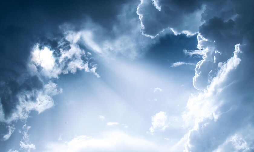 Καιρός: Βροχές στα κεντρικά και βόρεια - Υψηλές θερμοκρασίες για την εποχή