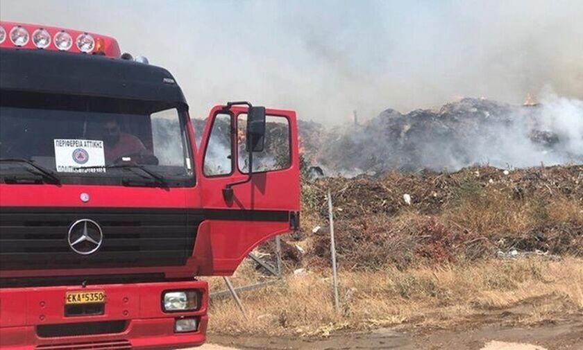 Πυρκαγιάκοντά σε σπίτια στη Νέα Μάκρη- Εντολή εκκένωσης από το Δήμο Μαραθώνα