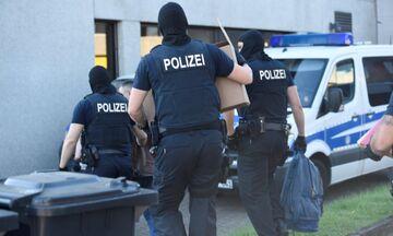 Γερμανία: Ένοπλος κρατά ομήρους σε λεωφορείο