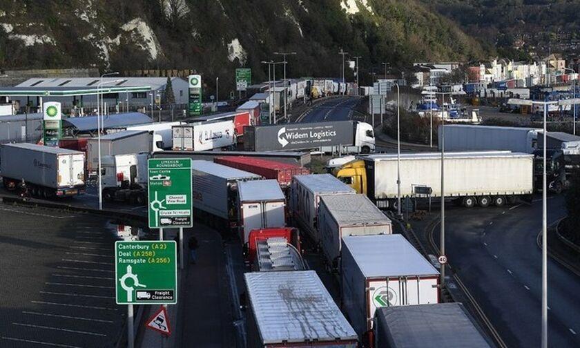 Βρετανία: Προσωρινή βίζα εργασίας σε 5.000 οδηγούς φορτηγών λόγω προβλημάτων ανεφοδιασμού