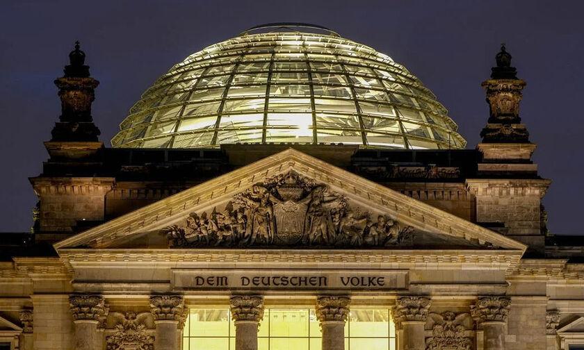 Εκλογές - Γερμανία: Θρίλερ με οριακό προβάδισμα για το SPD του Σόλτς (vids)