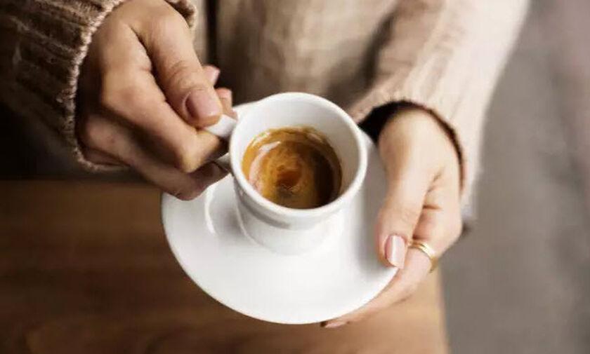 Η σημαντική παρενέργεια που έχει η καφεΐνη στην βιταμίνη D του οργανισμού