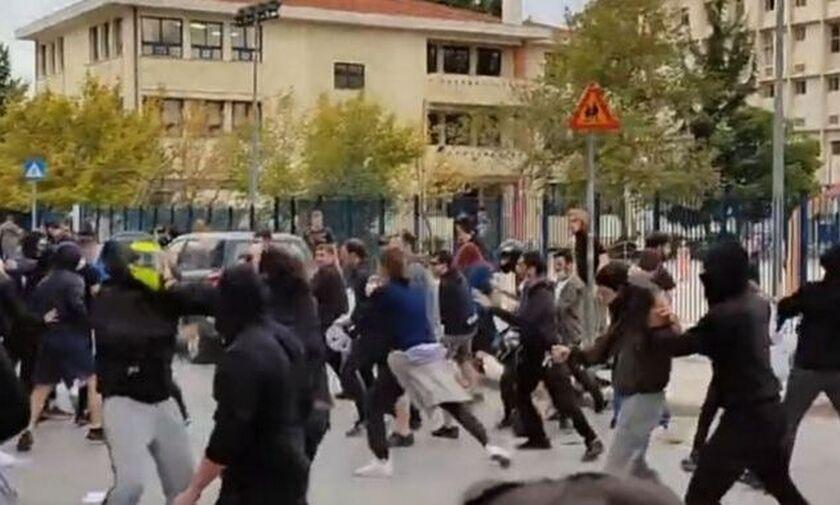 Θεσσαλονίκη: Άγρια επεισόδια έξω από σχολείο στη Σταυρούπολη (vid)