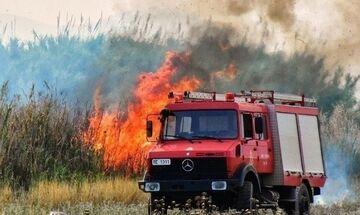 Άραξος: Φωτιά έξω από το στρατιωτικό αεροδρόμιο