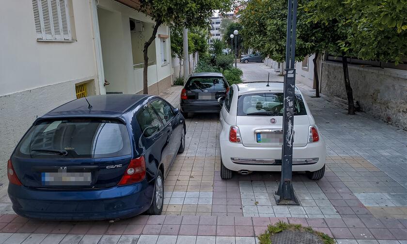 Καρέκλες για... σίγουρο πάρκινγκ – Τι προβλέπει ο ΚΟΚ