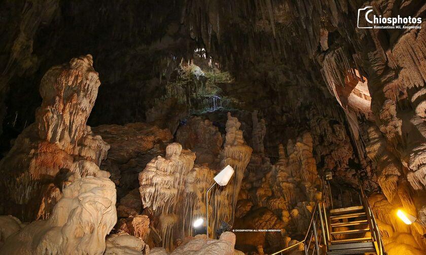 Το σπήλαιο όπου εμφανίζεται το φαινόμενο της «κολώνας φωτός» - Πώς αποκαλύφθηκε στην Χίο