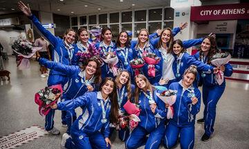 Πόλο: Η υποδοχή της εθνικής νέων γυναικών (vid, pics)
